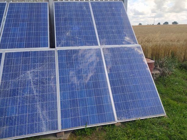 8 paneli pv ze zbitą szybą - SolardWorld 210 kwp