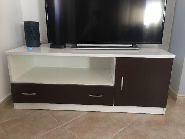 Móvel para TV com 1,20mts novo 2 meses de uso