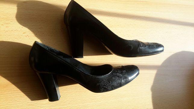 Кожаные черные итальянские туфли minelli ecco на устойчивом каблуке