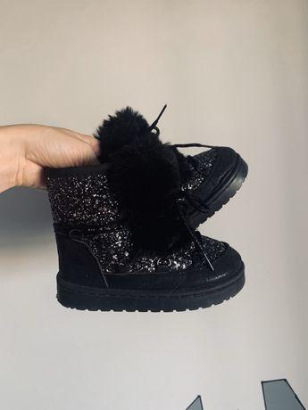 Черные угги зимние h&m сапоги next стильные zara ботинки с мехом