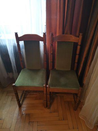 8 dębowych krzeseł
