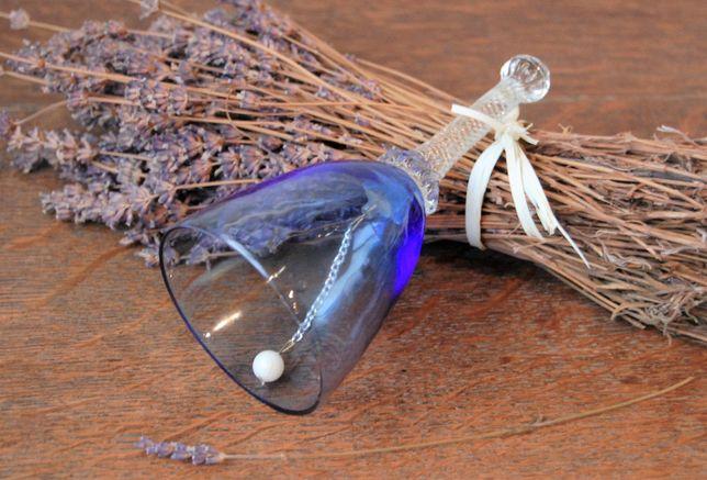 Stary, błękitny dzwonek szklany, szkło, antyk, vintage