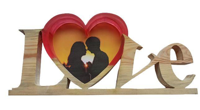 Ramka na zdjęcie Love z drewna i żywicy