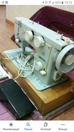 Швейная машинка Подольск 142 с электро приводом