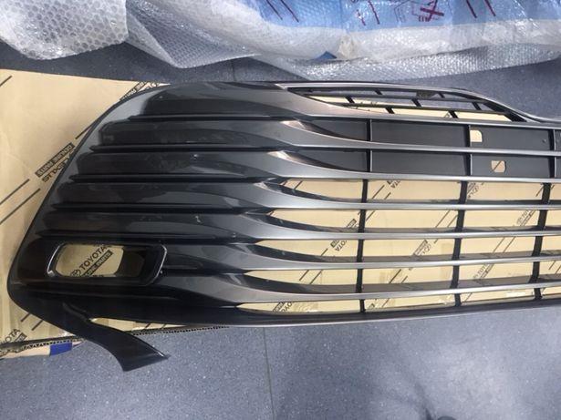Решетка бампера радиатора Toyota Camry 70 (в наличии вся кузовщина)
