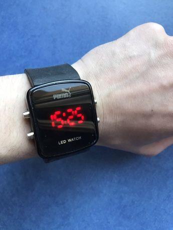 Продам наручные часы PUMA с LED подсветкой