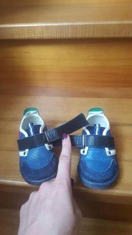 Продам туфли кроссовки шалунишка