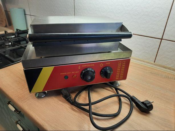 Апарат ідеальний гарно і швидко пече, без дефектів і браків. Майже не