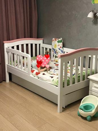 Кровать детская деревянная