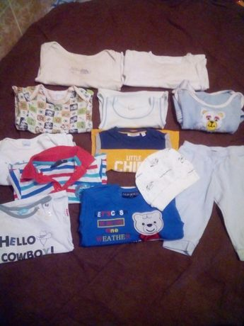 Бодіки,  футболки  штани і шапочка