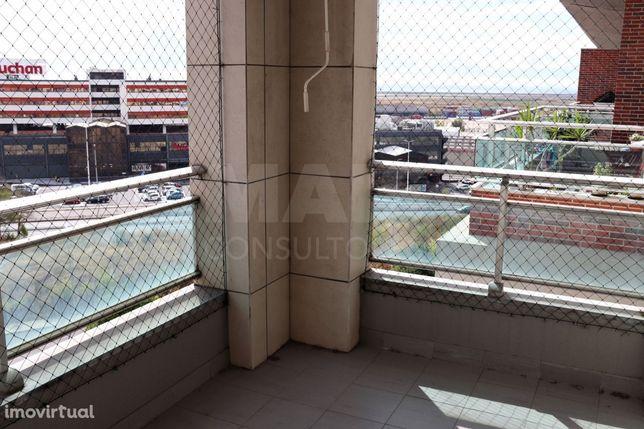 Apartamento T3 na Urbanização da Malvarosa em Alverca