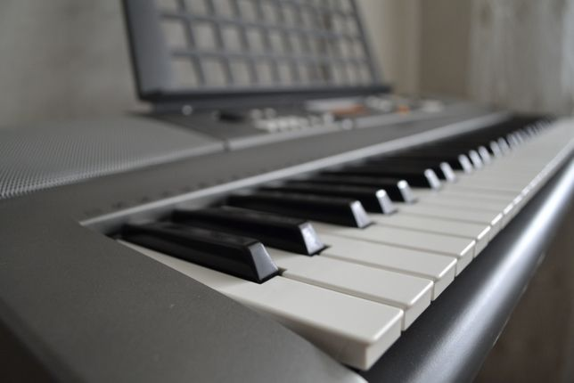 Продам синтезатор YAMAHA в отличном состоянии