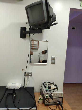Vários equipamentos médicos de gastrenterologia