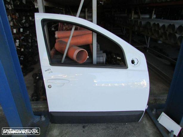 Porta Frente Direita Dacia Duster do ano 2010