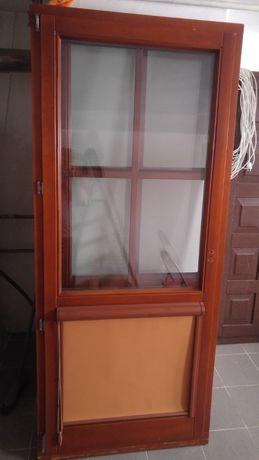 Drzwi drewniane przeszklone balkon/taras