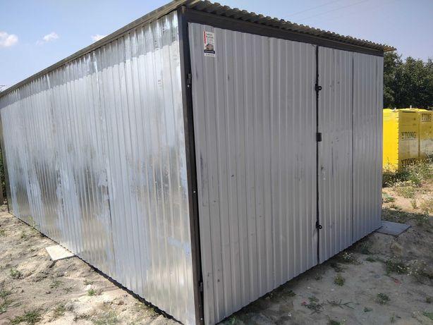 Garaż/schowek na budowę
