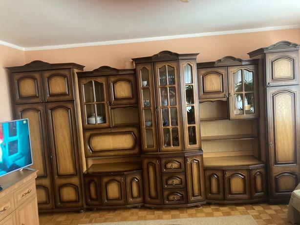 Meblościanka do salonu ,pojemne szafy