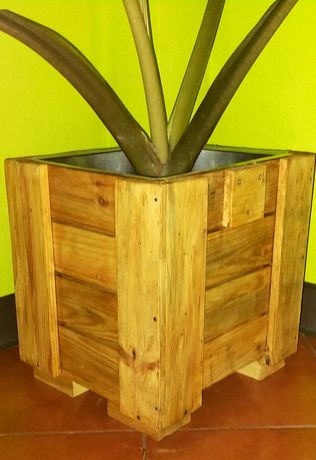 Vaso interior em madeira