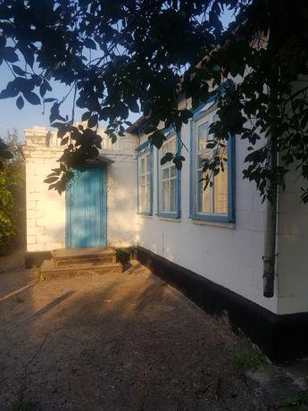 Продам дом в пгт Жданово