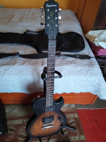 Gitara elektryczna że wzmacniaczem