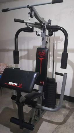 Máquina Multifunções musculação.