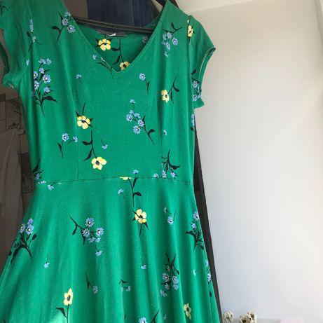 Весняна сукня зеленого кольору