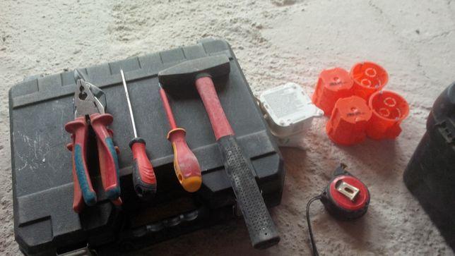 Montaż osprzętu elektrycznego