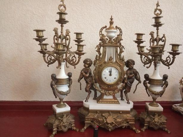 Часы каминные с канделябрами
