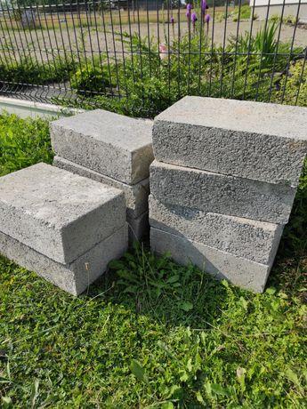 Bloczki betonowe 25*38*12