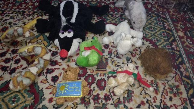 Пакет, лот мягких игрушек: скунс, лось, змея, дельфин, медведь.