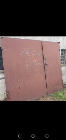 Brama garażowa stalowa