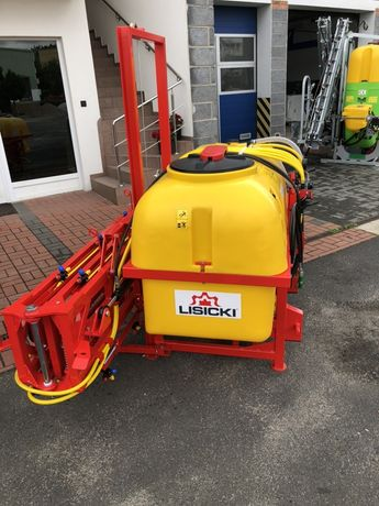 Opryskiwacz zawieszany P035/3 800 l 15 m firmy Lisicki