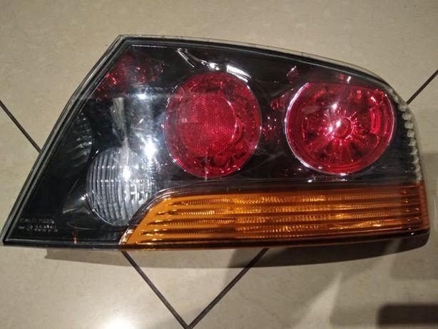 mitsubishi lancer evo FQ 400 lampa prawa tył