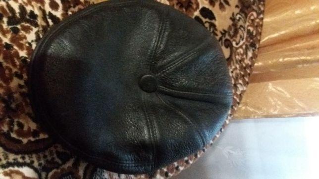 Мужской кожаный черный картуз кепка