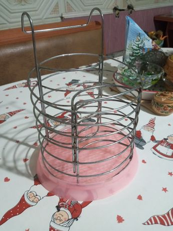Металлическая подвесная сушилка для ложек и вилок