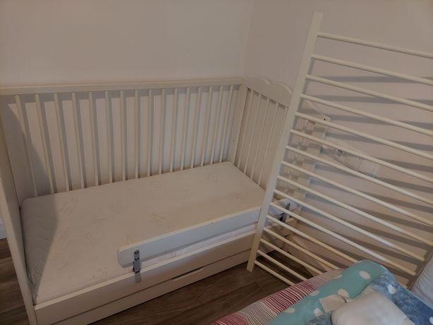 Łóżeczko drewniane białe