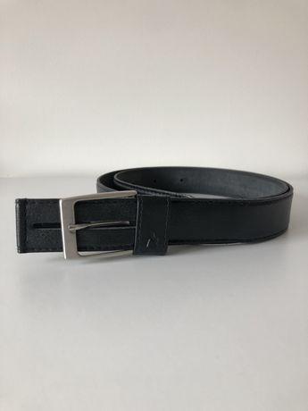 Cinto preto, tamanho 92 cm, novo.