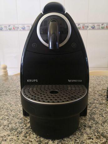 Vendo Máquina Café KRUPS NESPRESSO Usada