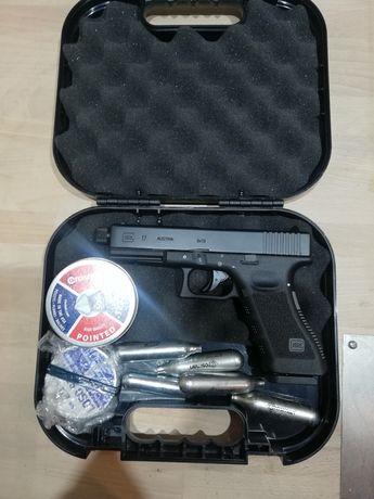Wiatrówka pneumatyczna umarex Glock 17