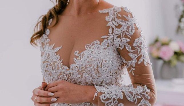Cudowna suknia ślubna Angela na siatce z gipiurą i zdobieniami