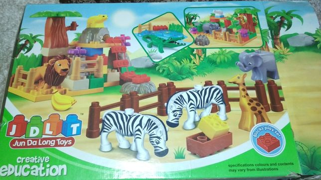 Конструктор, аналог Лего. Зоопарк