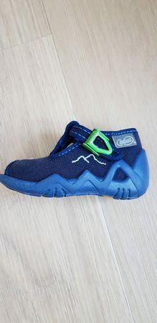 Buty chłopięce rozmiar 18