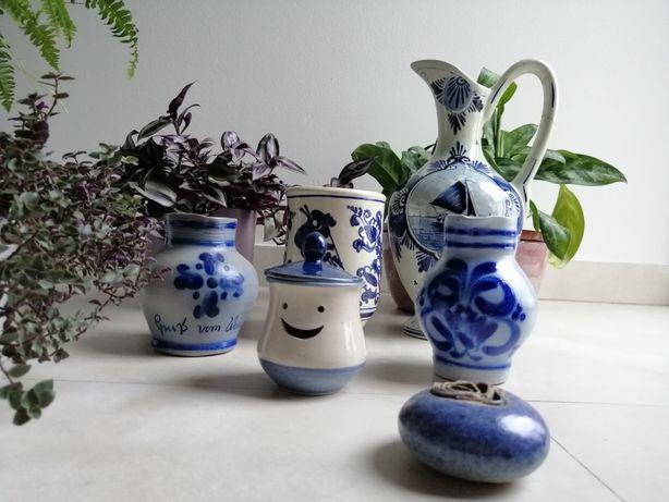 Niebieska biała ceramika