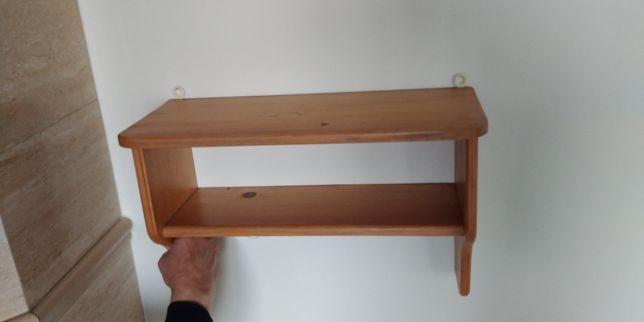 Używana półka drewniana sosnowa wisząca