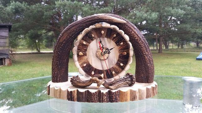 Zegar stojący z poroża jelenia, rękodzieło