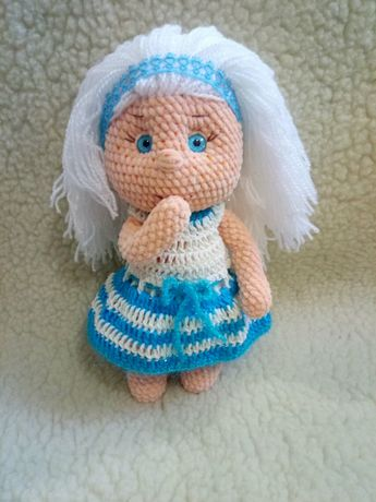 Куколка из плюшевой пряжи!Вязала крючком.