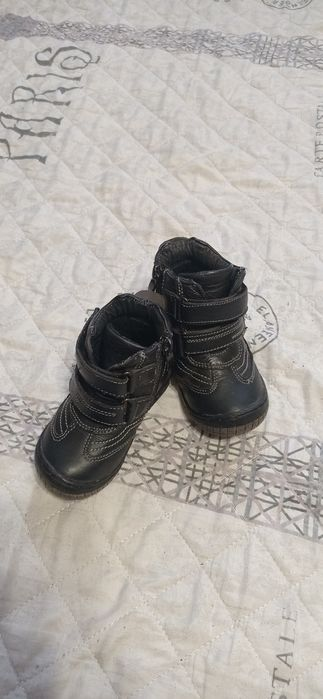 Продам осінні дитячі чобітки. Носили в основному в калясці. Шкіряні. Черновцы - изображение 1