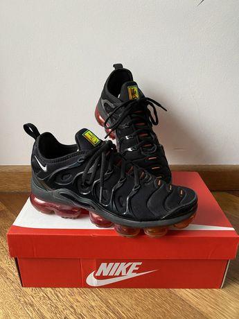 Nike Vapormax Plus 39 Black/ Magma Orange/Red