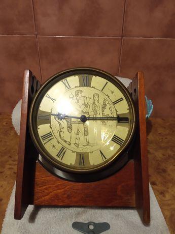 Часы механические настольные ссср