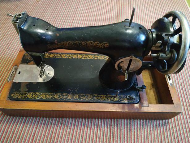 Продам ручну швейну машинку виробництва ПМЗ ім. Калініна.
